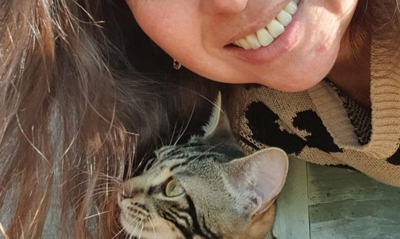 Experiencias de adoptantes. Ángela: «Cada animalito es único y te brindan un amor incondicional»
