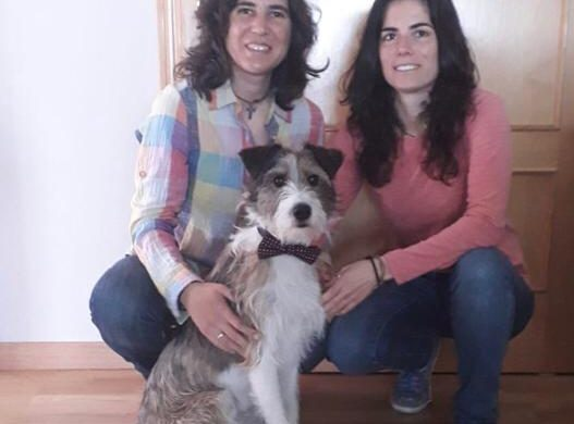 Experiencias de adoptantes. Pilar y Montemayor: «Sabemos que con él somos infinitamente más felices y mejores personas»